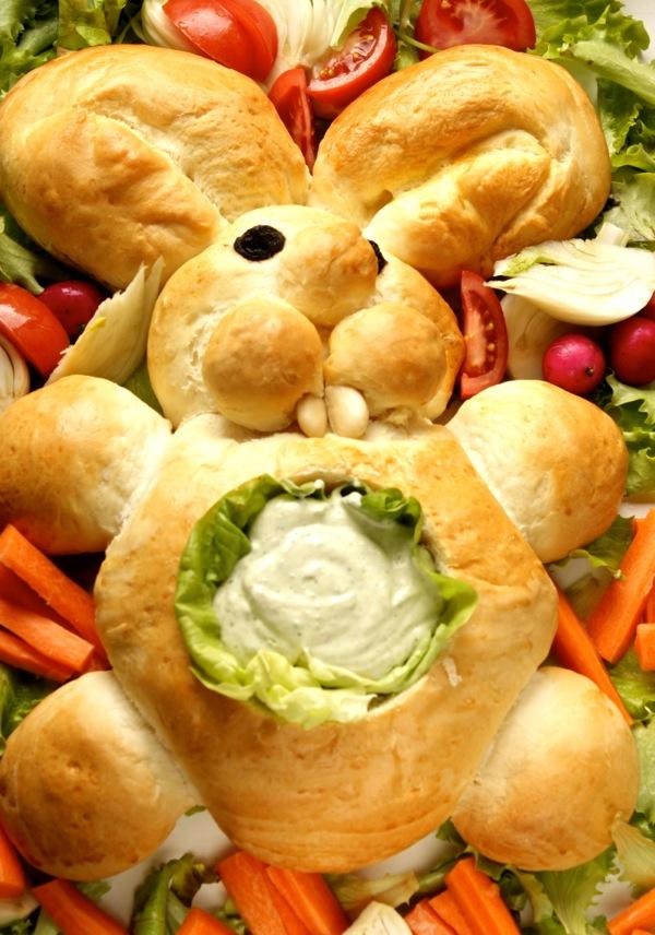 coniglietto di pane con verdure