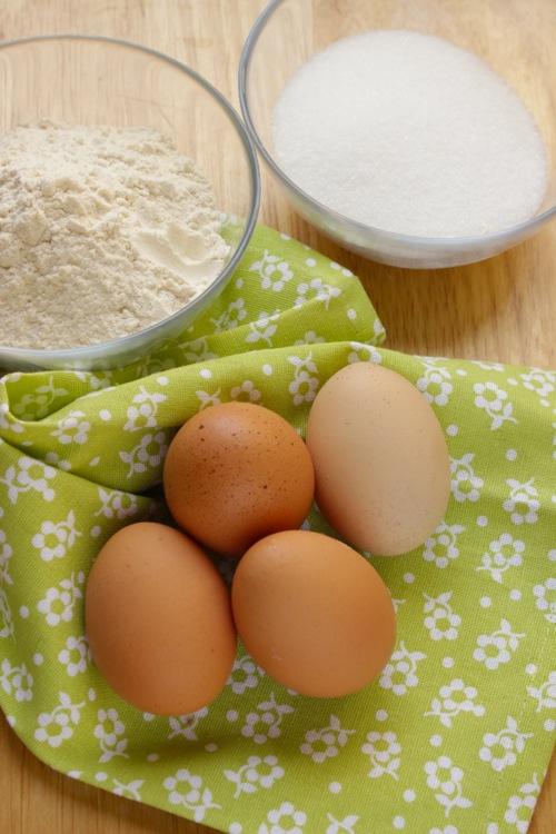 ingredienti pan di spagna
