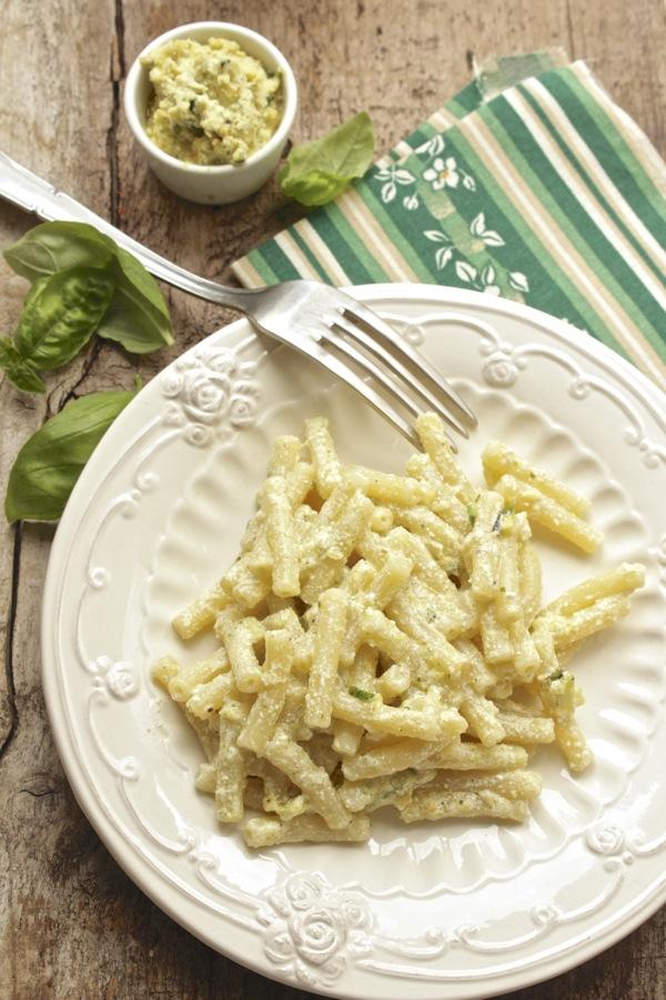 salsa con ricotta salata e zucchine