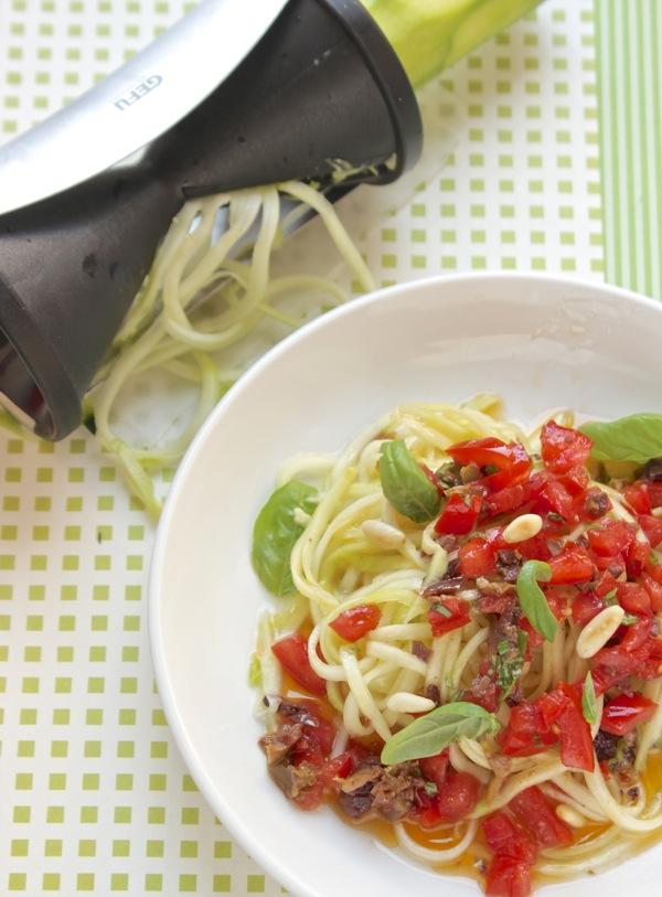 spaghetti di zucchine crude