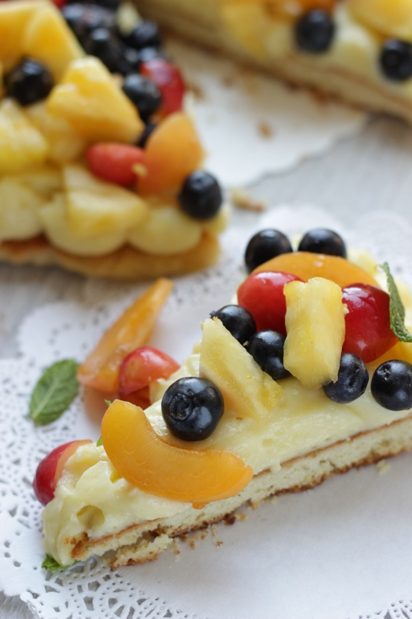torta in padella con macedonia di frutta