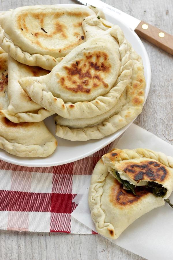 calzoni in padella con spinaci e primosale